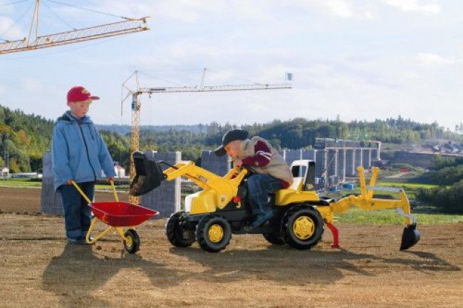 The JCB Kids Pedal Backhoe Loader Is One Of The best Black Friday Discounts