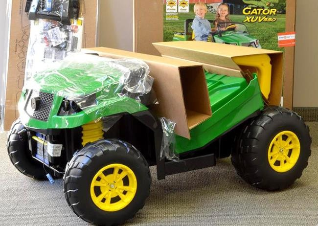 Out the box - John Deere Gator 550 XUV Review